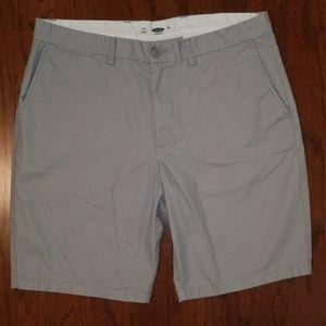 Old Navy Khaki Shorts in Light Gray